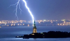 statue_of_liberty lightning